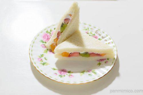 タカキベーカリーフルーツサンド皿盛り