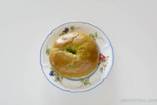 パスコマイベーグル抹茶ラテ皿盛り