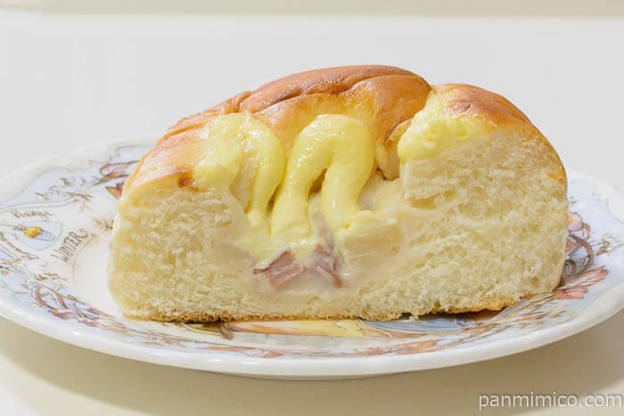 ヤマザキゴロッとじゃがベーコンのパン中身