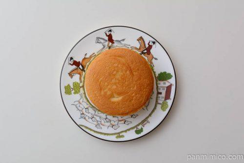 ローソン北海道小麦春よ恋練乳サンド皿盛り