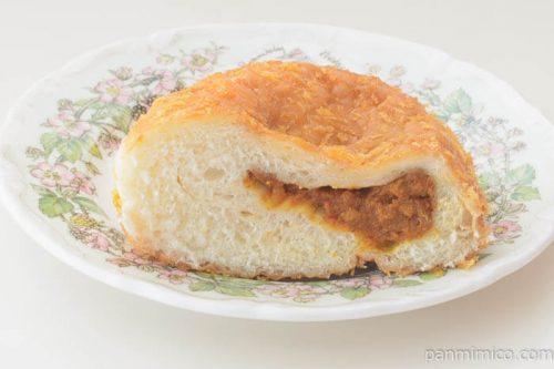 第一パン激辛カレーパン中身