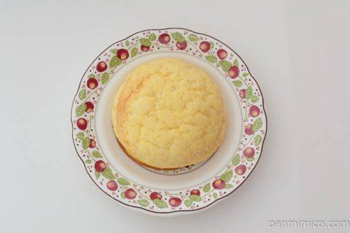 ローソン塩バターメロンパンホイップクリーム皿盛り
