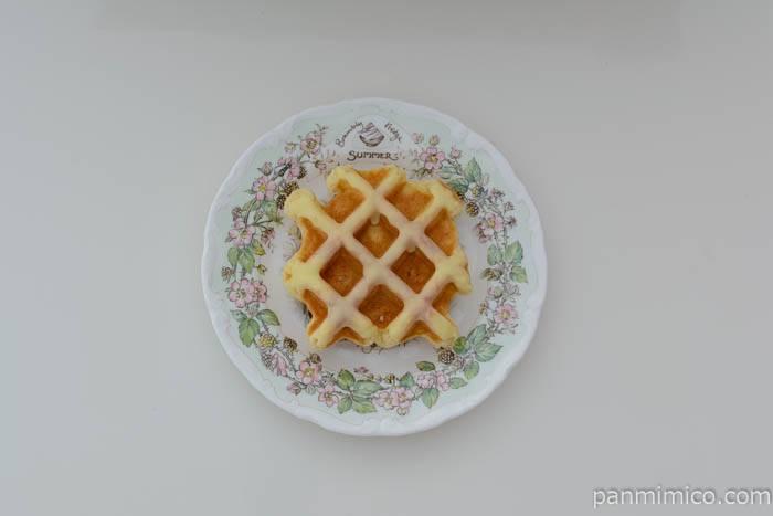 ヤマザキベルギーワッフルハニーレモン皿盛り