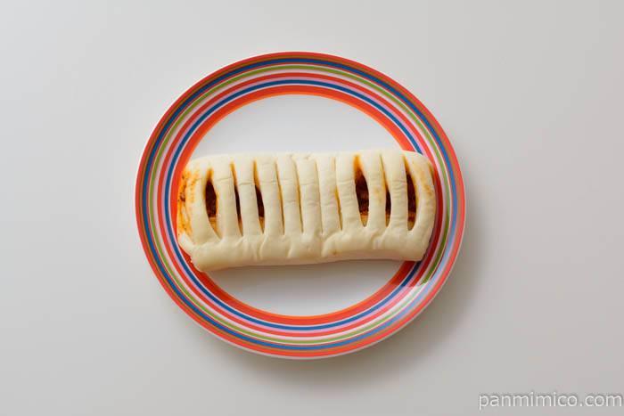 ファミマもっちパンミート&チーズ皿盛り