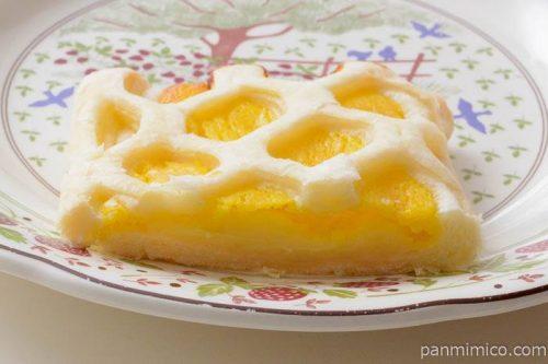 ファミマ爽やかな甘酸っぱさ広がる瀬戸内レモンパイ中身
