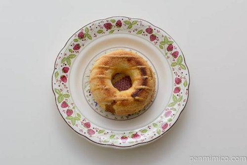 ファミマクッキーとデニッシュのベイクドドーナツ(塩キャラメル)皿盛り