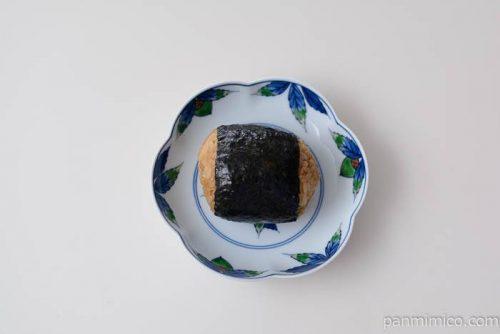 ファミマまるごと半熟煮玉子おむすび皿盛り