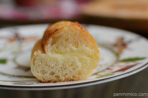 ブリエミルクバターパン中身