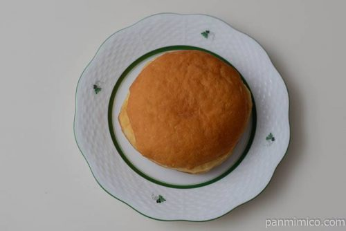 ファミマふわふわドーナツ(カスタード&ホイップ)皿盛り