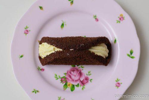 ローソンブランのチョコオムレットバナナクリーム皿盛り