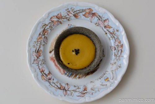 ローソン安納芋と黒胡麻のタルトカスタードクリーム入り皿盛り