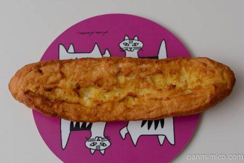 タカキベーカリー塩バターフランス皿盛り