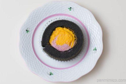 ローソンプレミアムかぼちゃ&紫芋のロールケーキ皿盛り