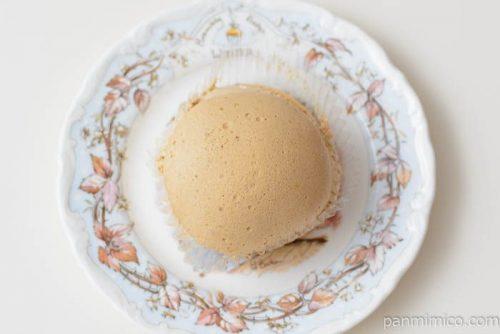 ヤマザキクリームを味わうモカコーヒークリームのスフレケーキ皿盛り