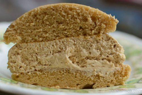 ヤマザキクリームを味わうモカコーヒークリームのスフレケーキ中身
