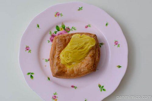 セブンイレブンおいものモンブランデニッシュ皿盛り
