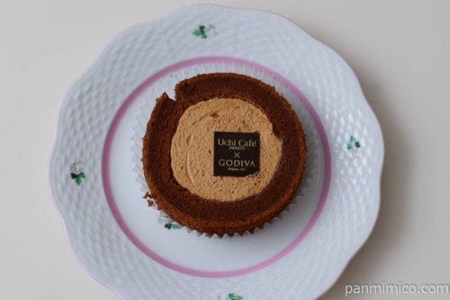ローソンキャラメルショコラロールケーキ皿盛り
