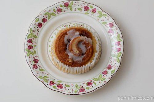 パスコシナモンロールみたいな蒸しケーキ皿盛り