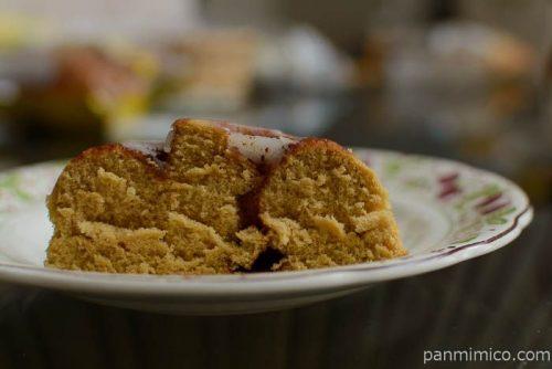 パスコシナモンロールみたいな蒸しケーキ中身