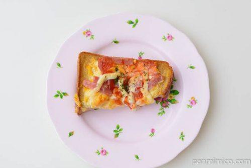 ローソンハムエッグトーストブラン入り食パン使用皿盛り