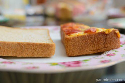 ローソンハムエッグトーストブラン入り食パン厚さ比較
