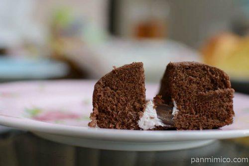 ヤマザキチョコサンド蒸しケーキ中身