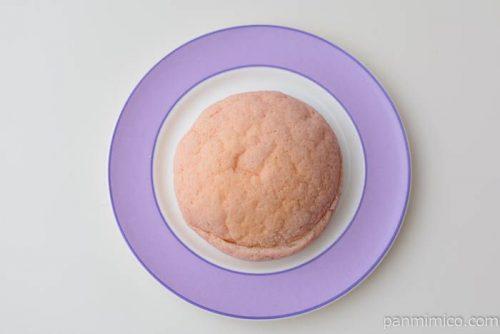 パスコあまおういちごのメロンパン皿盛り