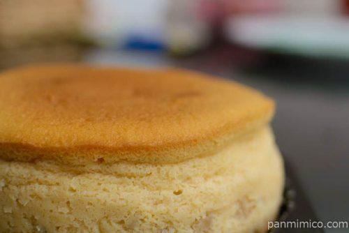 サンラヴィアン本格濃厚チーズスフレ塩キャラメル林檎横