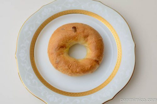タカキベーカリー石窯全粒粉&チーズ皿盛り