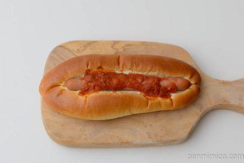 第一パンあらびきイタリアンドッグ皿盛り