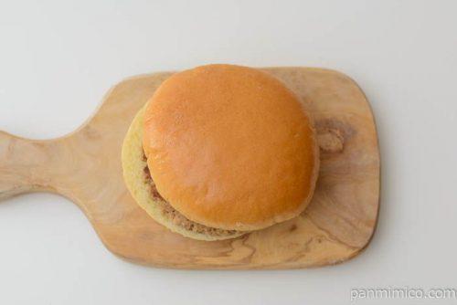ヤマザキ ふっくらバーガー 完熟トマト風味ソース&マヨネーズ皿盛り