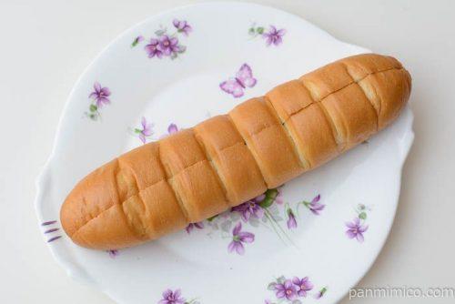 もち食感サンドロール北海道産小豆のつぶあん&マーガリン【ヤマザキ】皿盛り