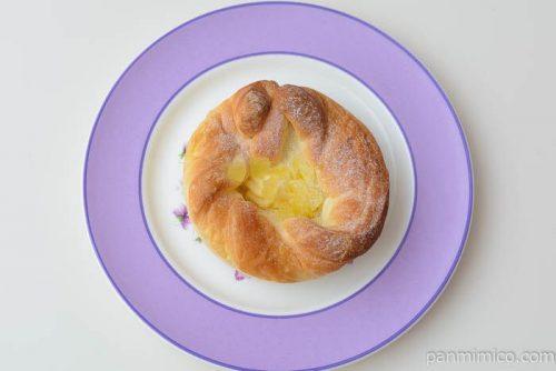 ベイクドりんごチーズタルト【フジパン】皿盛り