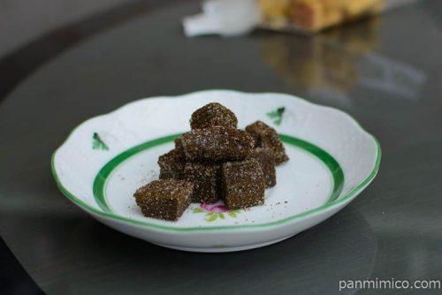 マ・クルールデコボコチョコのクッキー横