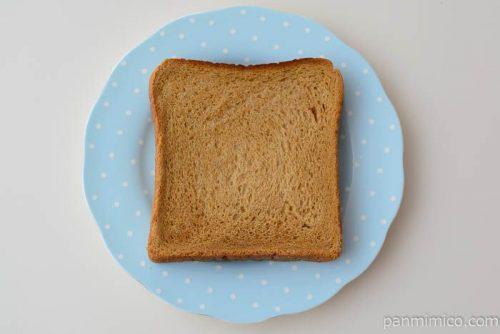 黒糖食パン【タカキベーカリー】皿盛り