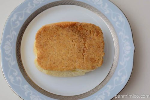 ヤマザキザクザククッキーパン(練乳クリーム)ホームパイ使用皿盛り