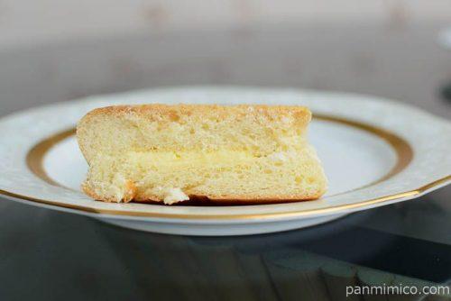 ヤマザキザクザククッキーパン(練乳クリーム)ホームパイ使用中身