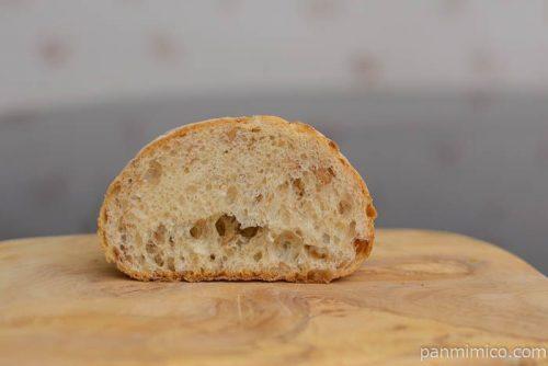 窯焼きパスコ 国産小麦のミニブール ライ麦&全粒粉入りパスコ中身
