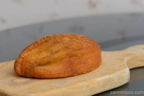 スコッチエッグのメロンパン【ファミール】皿盛り