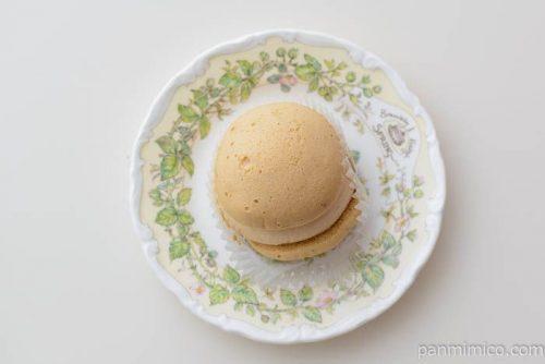 ヤマザキ クリームを味わうキャラメルクリームのスフレケーキ皿盛り