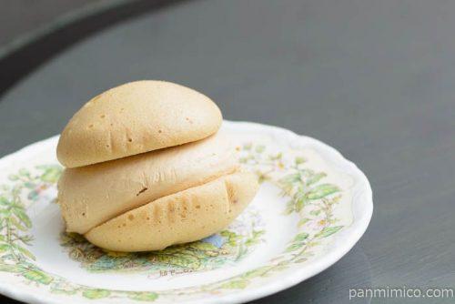 ヤマザキ クリームを味わうキャラメルクリームのスフレケーキ横