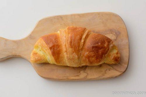 塩バタークロワッサン【ローソン】皿盛り