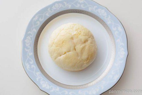 濃いミルクホイップパン【フジパン】皿盛り