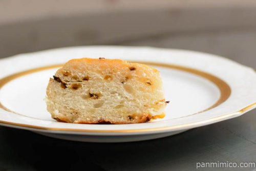 ゆめちから入り塩こんぶチーズパン【パスコ】中身