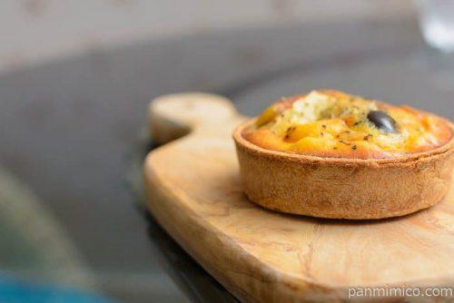 ブラックオリーブとチーズのキッシュロレーヌベーカリー89横