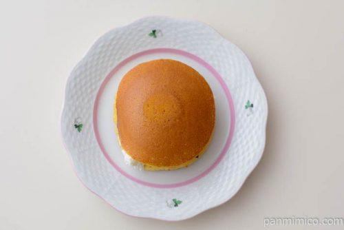 こだわり卵のふんわり生どら焼【セブンイレブン】皿盛り