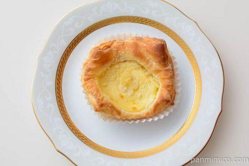 塩チーズケーキデニッシュ【パスコ】皿盛り