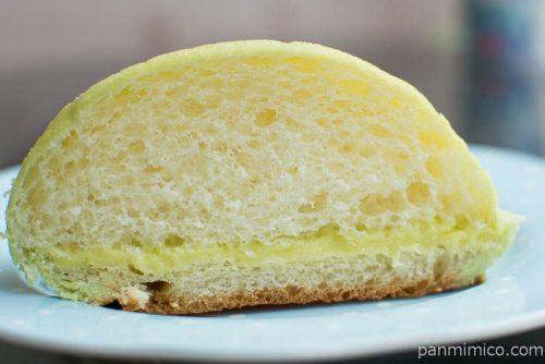 メロンクリームのメロンパン【セブンイレブン】中身