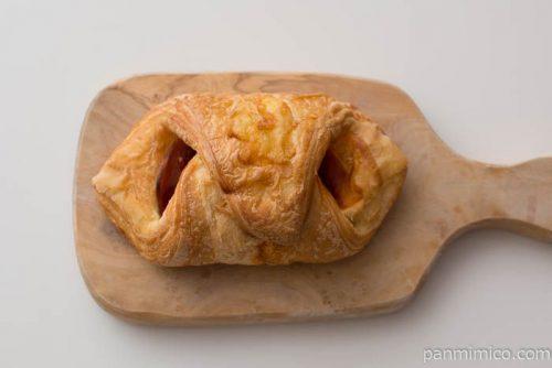 ハムのピザクロワッサン【パスコ】皿盛り