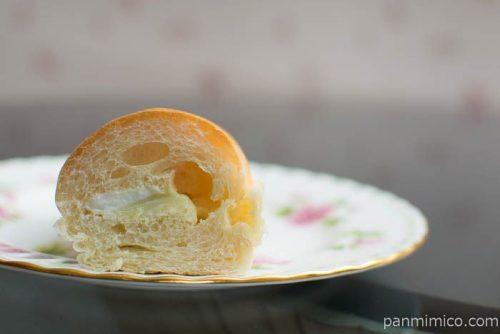 コッペパン クラウンメロン&ホイップ【第一パン】中身